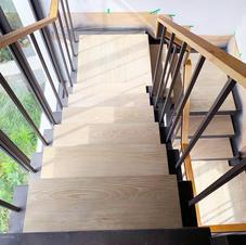 歐風橡浮雕樓梯踏板