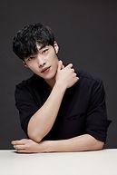 Woo Do-Hwan as Kwon Shi-Yun