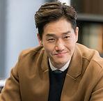 Yoo Ji-tae as Kim Moon-ho