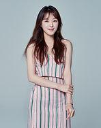 Jo Woo-ri as Hyun Soo-ah