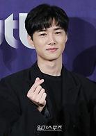 Seo Ji-hoon as Lee Soo