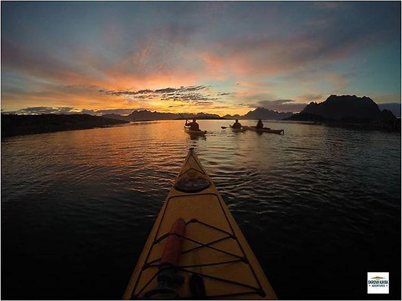 🌅 Midnight sun paddling in Lofoten islands.jpg