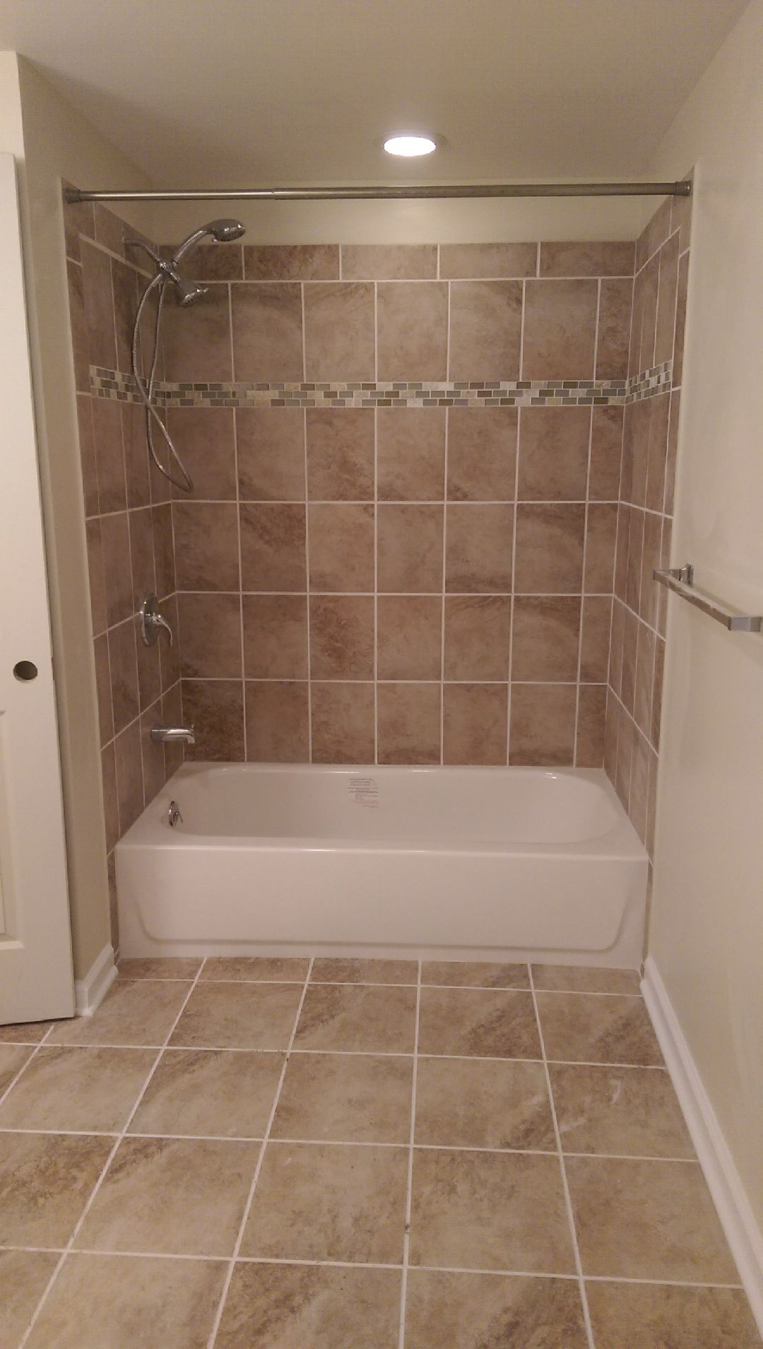 Tile and flooring 08053