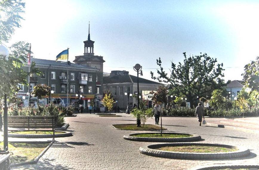 Привокзальная площадь Бердянска - фото