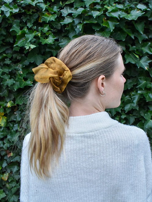 byjenniferfletcher_scrunchie_bronze_satin_sheen_festlig1