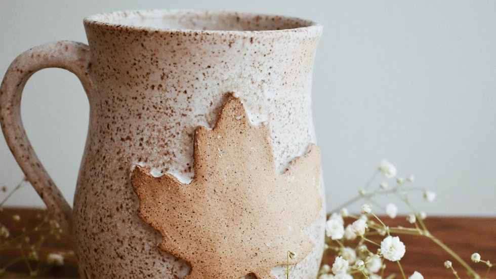 White Pebble Maple Leaf Mug
