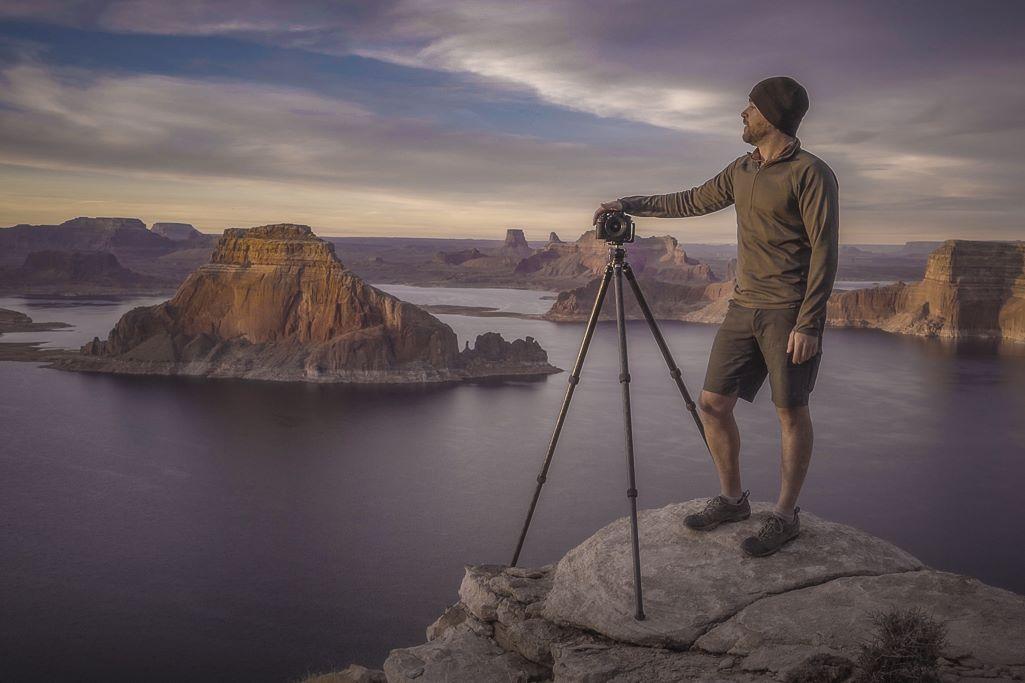dan ballard pro landscape photographer overlooking Lake Powell viewpoint