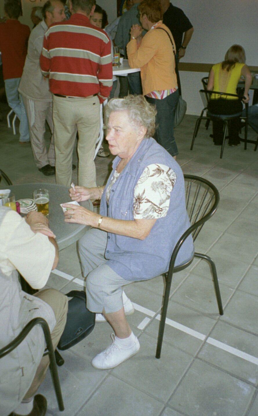 opening 2004 12