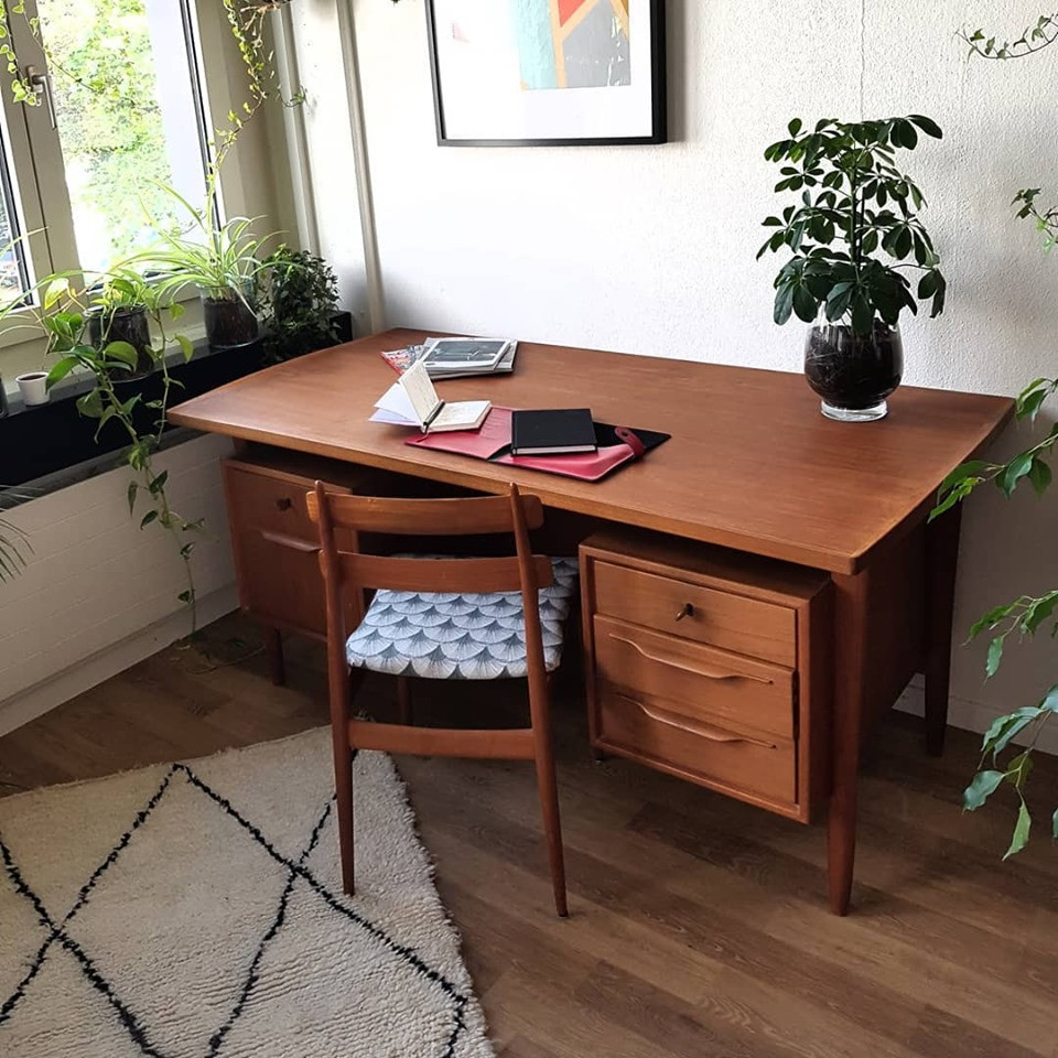 CHF 920 - Only Desk