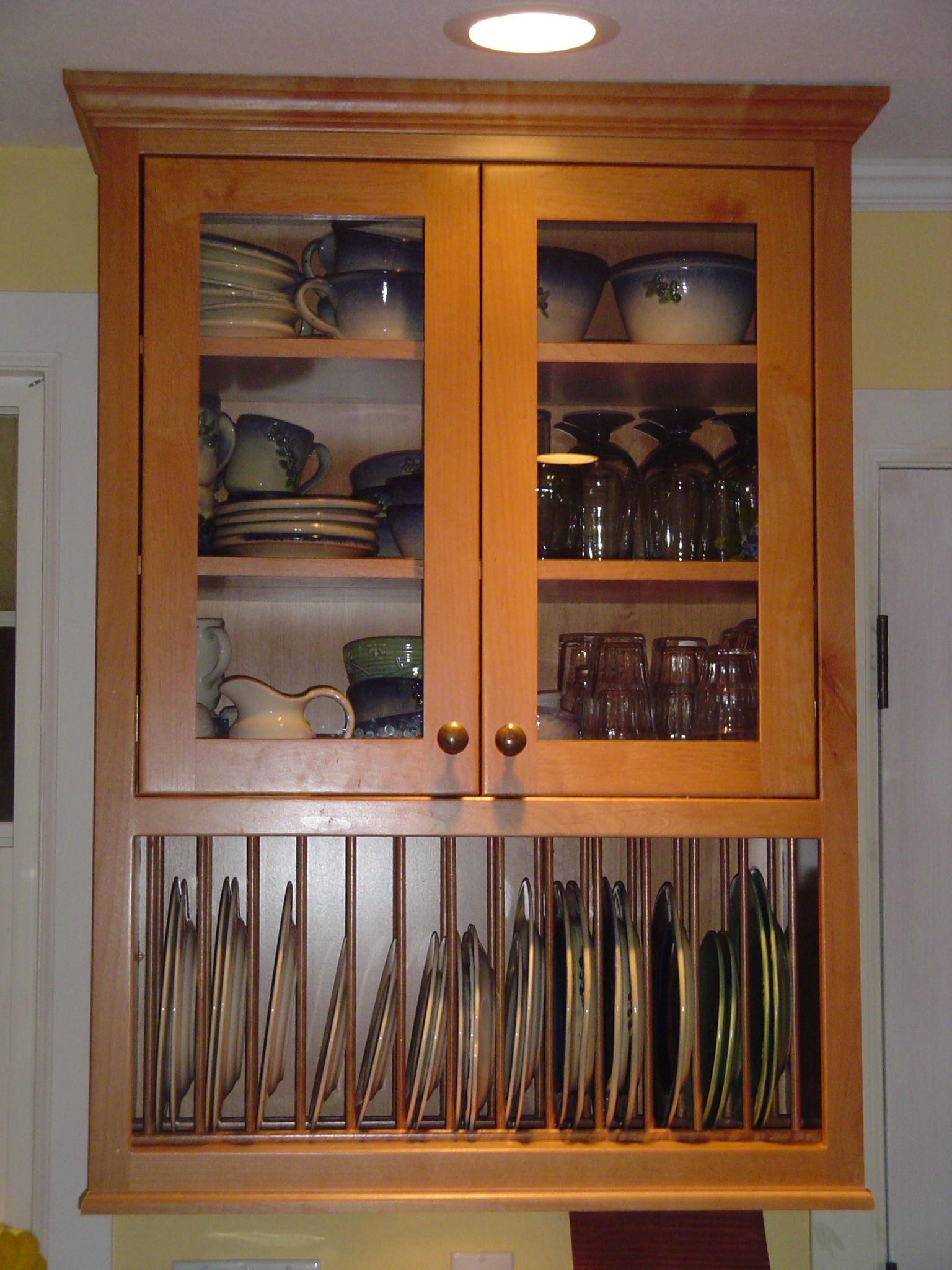 cabinet with plate rack