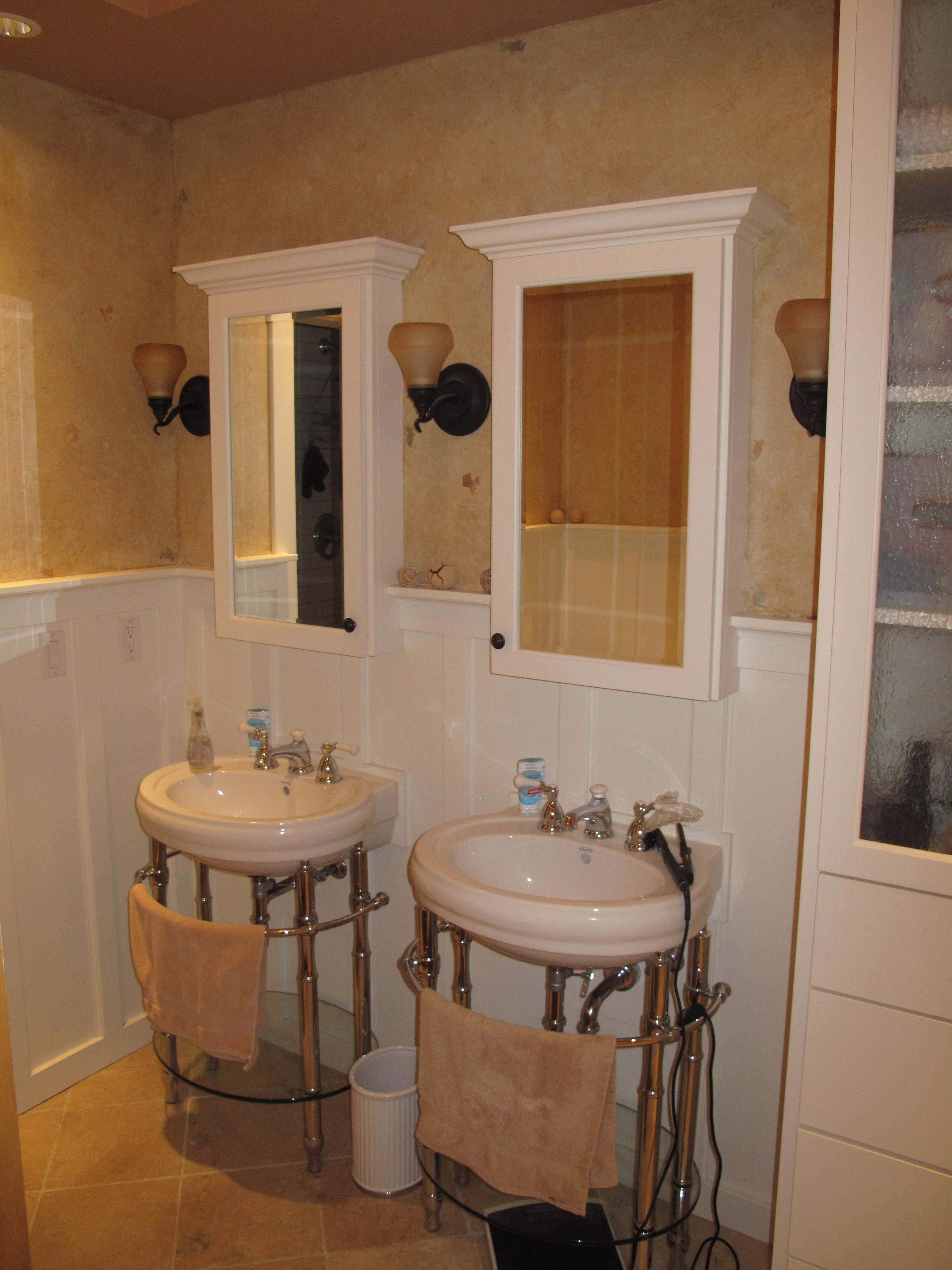 Master bath with pedestals