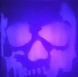 The Skull No.10 / UV light
