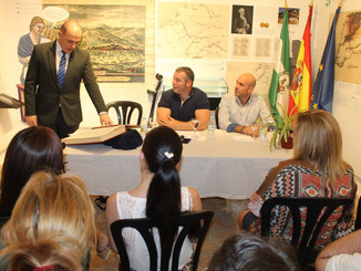 Adolfo Hamer toma posesión como Cronista Oficial de La Carlota