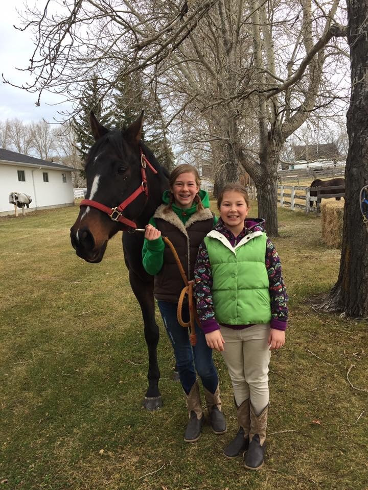 Girls at Canadiana - Eperon Equestrian
