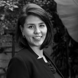Bióloga e especialista em gestão ambiental e sustentabilidade pela USP, Carol apoia há mais de 7 anos organizações de diferentes setores na geração de valor e impacto positivo. Na REVER, é Sócia e Gerente de Projetos e atua em iniciativas de direcionamento estratégico, estruturação do investimento social e engajamento de comunidades.