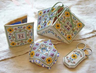 Summer Flowers Sewing Set