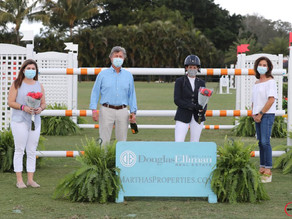 Laura Kraut Claims Martha Jolicoeur Leading Lady Rider Award