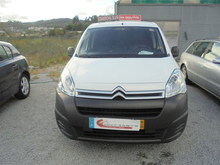 Citroen-Berlingo-120329286.jpg