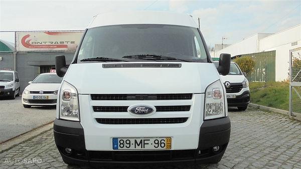 Ford-Transit-103317341.jpg