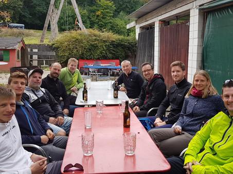 Sonnige Herbstwanderung am Rhein