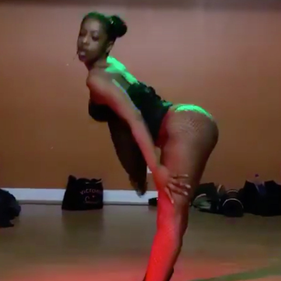 SouL Stretch (Sexy Heels)