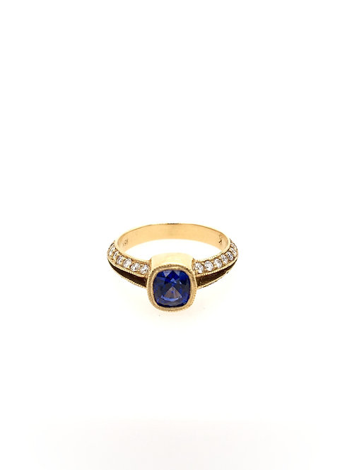 Sapphire and Diamond 18ky Ring