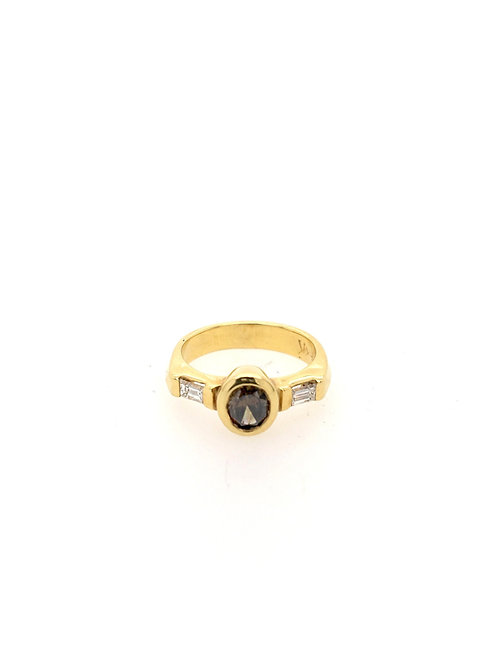 Oval Diamond with Baguettes 18ky Ring