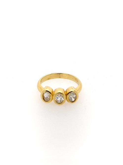 Three Diamond 18ky Ring
