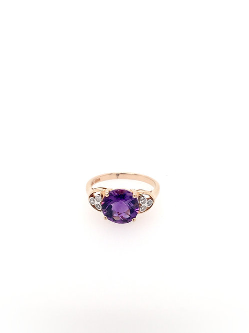 Amethyst and Diamond Ring in 14kr