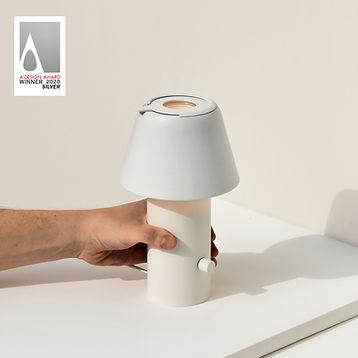 Iris Lamp - A' Design Award Silver - Boo