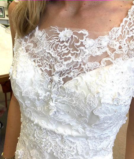 Wedding dress customisation, Clothes alt