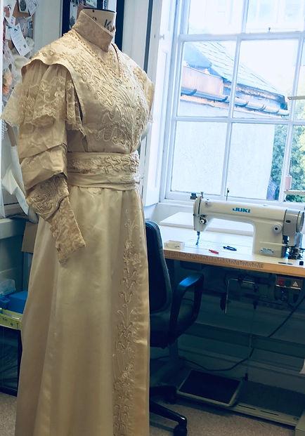 Antique wedding dress, Upcycling weddin