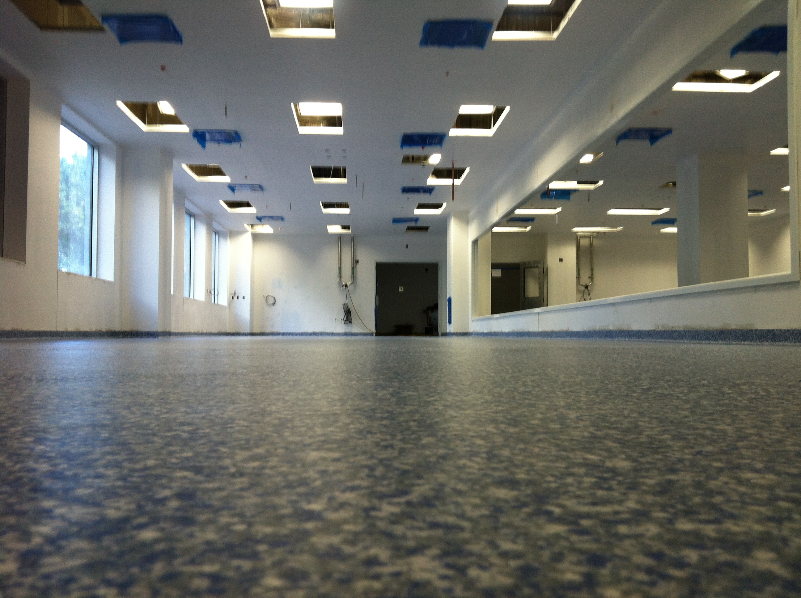 Plastifloor flakes floor, Qiagen USA