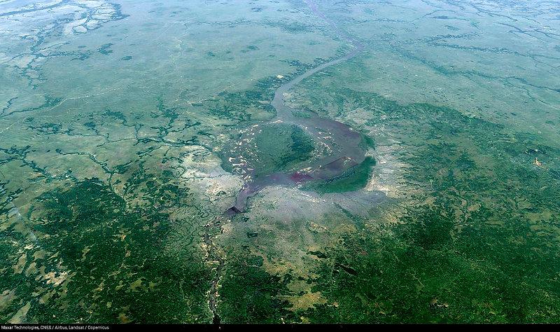 Brazzaville et Kinshasa 3D.jpg