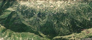 Les_Pyrénées_cristaux_2.jpg