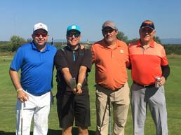 camaradería-y-jugadores-de-golf-en-Zona-