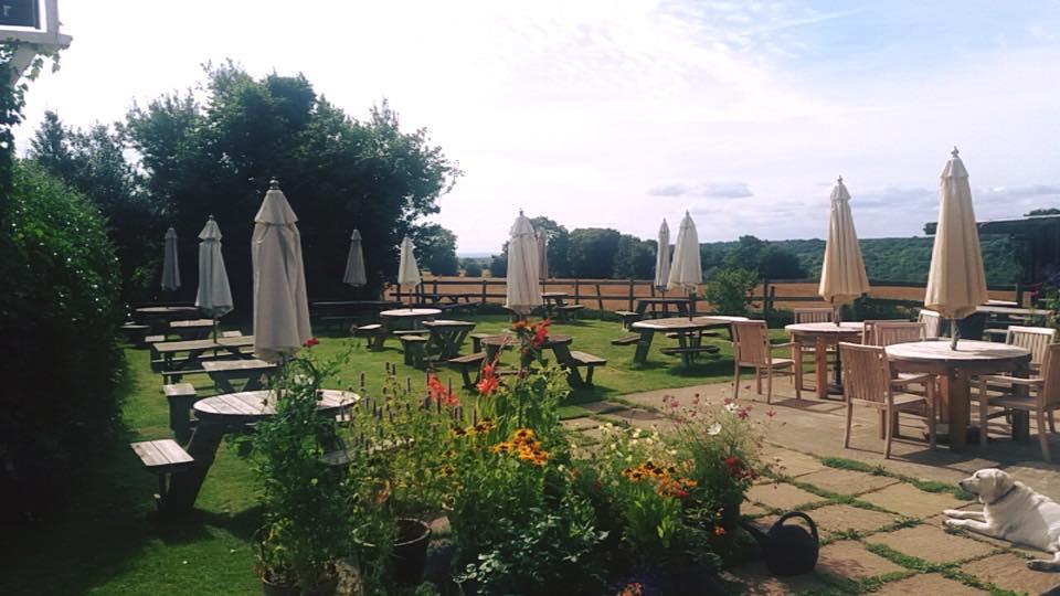 Pub-Garden-Henley