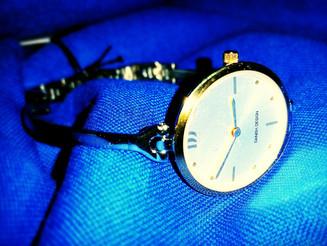 ביקשתם שעון נשי עדין, הנה אחד מושלם.