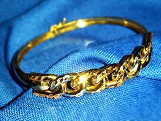 צמיד זהב בעבודת יד
