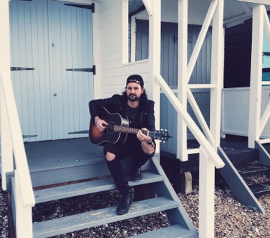 News: Ben Selleck to release debut single 'Different Sides'
