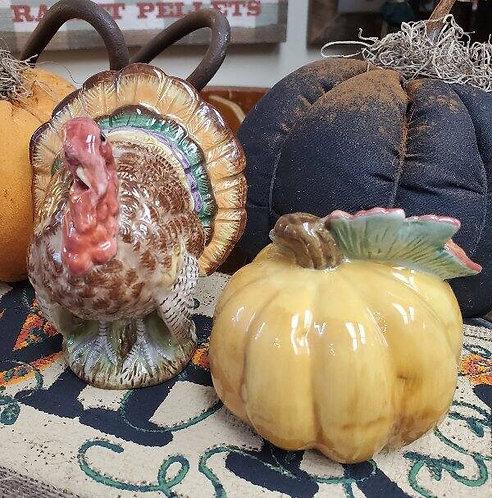 Fitz and Floyd Classics Porcelain Turkey & Pumpkin Salt Pepper