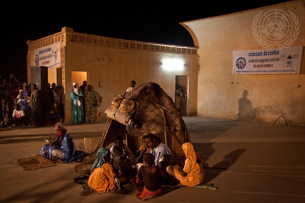 Children in Gao acting out a scene as part of a theater program sponsored by the UN Multidimensional Integrated Stabilization Mission in Mali (MINUSMA) meant to promote peace and reconciliation.  UN Photo  ID: UN7269713