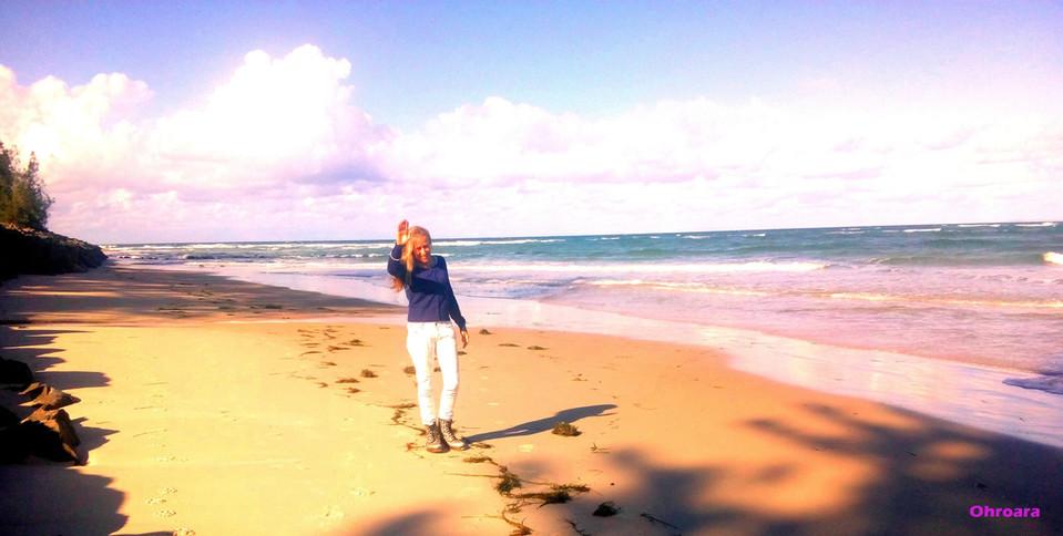 Pink Sunset Beach Walk With Ohroara