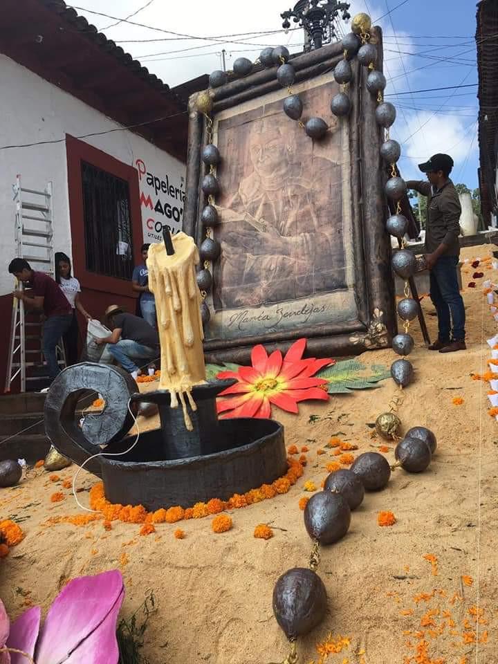 El altar de muertos más grande de Michoacán, en Tacámbaro, pueblo mágico.