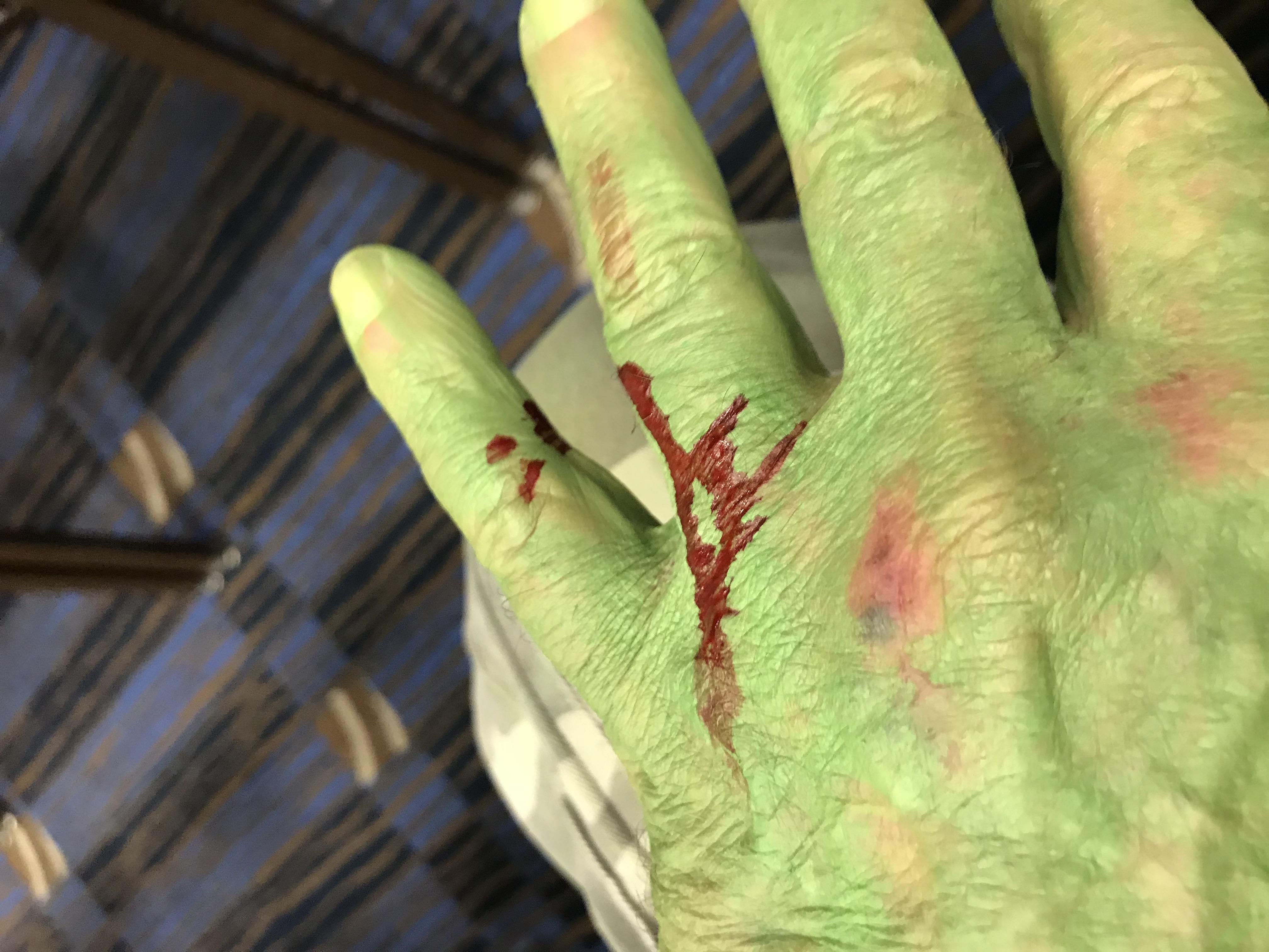 TBComicon Aut 3 2018 Sword Fight Hulk lo