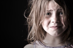 child-really-scared-in-dark-600x400.jpg