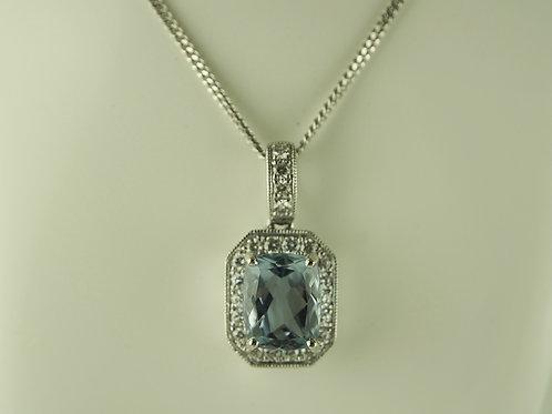 Diamond mounted aquamarine pendant