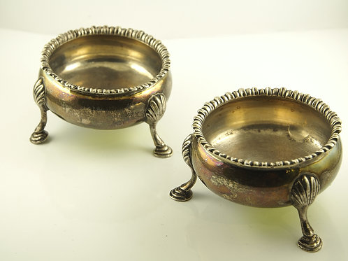 Antique Georgian Sterling Silver salt cellar.