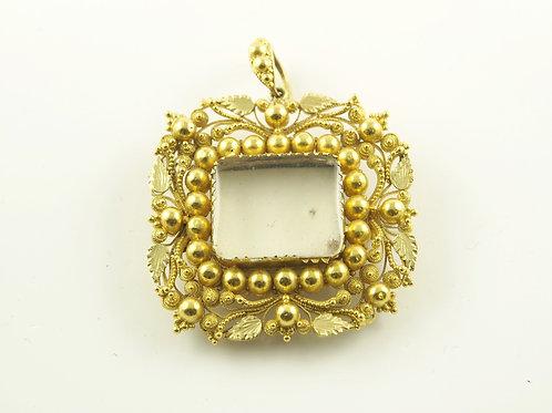 Gold Cannatille Brooch