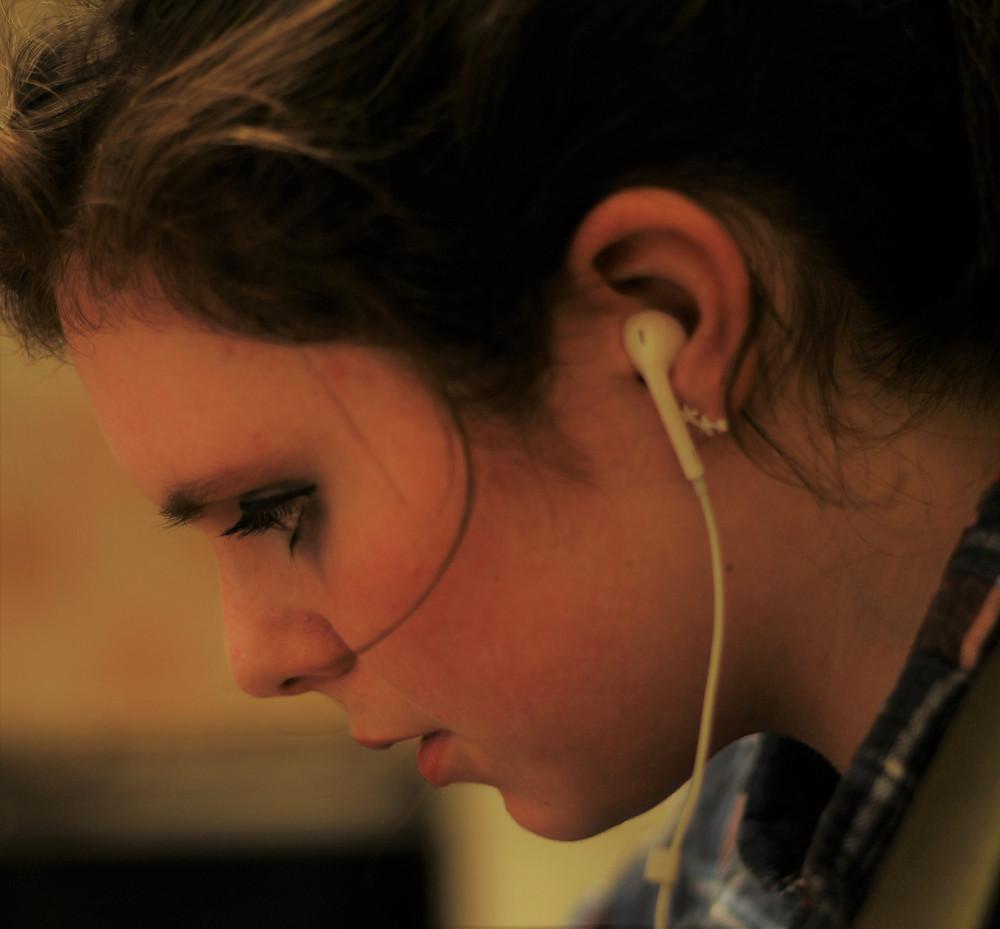 North Coast Harmony, Megan Baber, listen, learn by ear, music, earphones, earbuds.